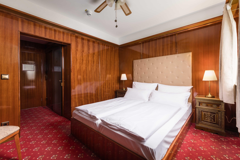 "Hotel du Train München - Doppelzimmer ""First Class"""